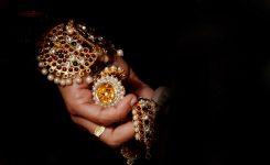 In hoeverre mogen moslimvrouwen sieraden dragen?